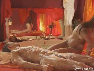 Blond loves bis tun massage
