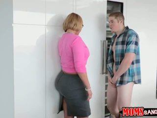 Jake Pounded his Girlfriends Stepmom D...