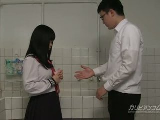 Innocent 學校 女孩 gives 口交 和 手 職位 為 extra 信用