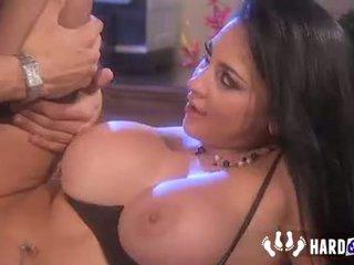 श्यामला, बड़े स्तन, blowjob