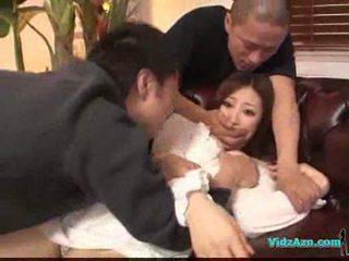 Warga asia gadis dalam putih pakaian getting beliau payu dara rubbed faraj jilat