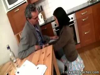 جنسي امرأة سمراء تلميذة acquires banged بواسطة لها pedagogue