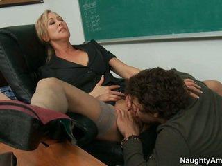 Μου δάσκαλος takes γεμάτος πλεονέκτημα