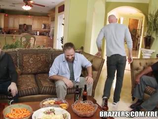 Brazzers - payton west cuckolds ji manžel