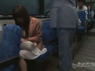 Chikan kacau di bis