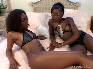 Nice Black Ladies Lick Trimmed Fuzzy Wuzzy