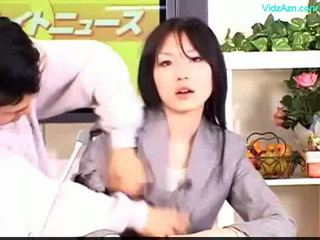 Guy stopping các thời gian fucking các newscaster cô gái miệng và
