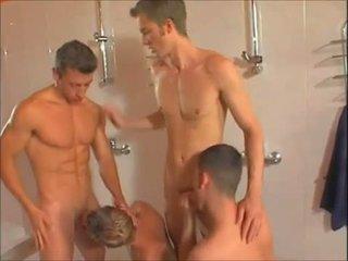 Quente gay showers orgia