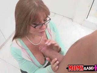 Szexi dögös mostohaanya darla crane gets neki segg szar