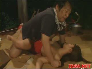 Jap av мадама gets pulled навън за секс