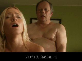 Lemak old man gets fucks hot young pirang