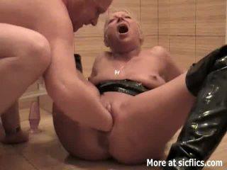 Päsťovanie môj pobehlica manželka a čúranie v ju tvár