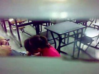 חבוי camera bj ב the כיתה