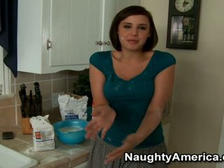 Great Lick Of Horny Chick Brooke Lee A...
