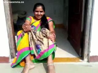 Desi aunty amjagaz show and bj part 1 all