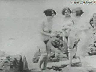 1928 antigo may a guy spying girls sa ang dalampasigan