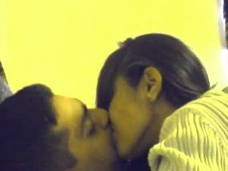 чортів, смоктання, поцілунки