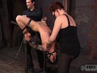 Babe is suffering pijn pleasures