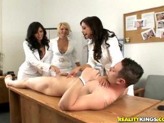 女孩 having 有趣 裸