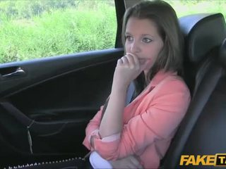 Amadora pays sexo para taxi passeio