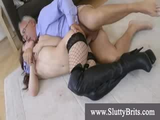 Perempuan perempuan cabul merek kakek bust sebuah nut dengan sebuah sixtynine