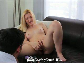 铸件 榻 x: 热 金发 青少年 性交 上 铸件