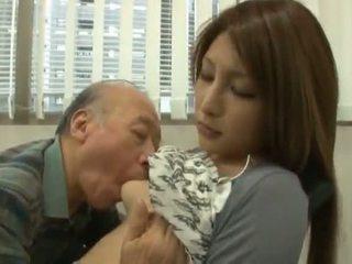 Chinois youngster has son diminutive labia got laid par an mature garçon