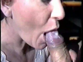 Air Mani Dalam Mulut