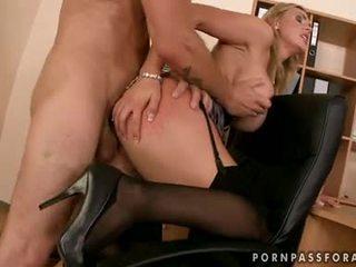 Bawdy seksualu boobed tanya tate gets jos burna jizzed tiesiog kaip ji asked už