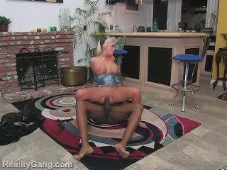 Beautifull sexy blonde babe getting hardcore fucking