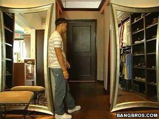 Mga kababaihan dressing room cams