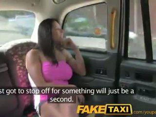 Faketaxi kaakit-akit amerikano falls para luma taxi trick