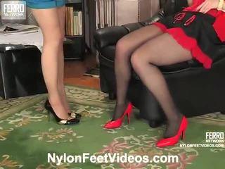 Ninon 과 agatha 험악한 스타킹 피트 영화 활동
