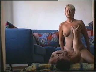 Swedia istri hubungan intim dia teman r20
