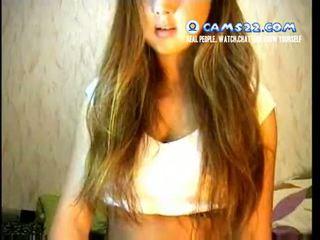 Cô gái tóc vàng super nóng thiếu niên seduced đến masturbate trên webcam trò chuyện với strangers