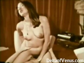 John holmes fucks poraščeni rjavolaska punca staromodno porno 1970s