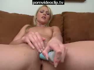 Rubio nena caliente mqmf delight masturbándose