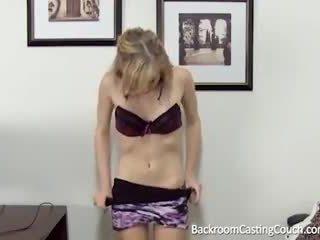 Barely wettelijk anaal & creampie casting