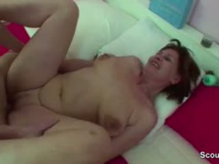 Mom kejiret german boy cepet when wake up and get fuck