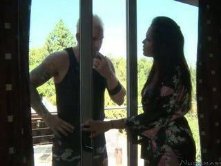 Mia lielani meets তার ক্রেতা