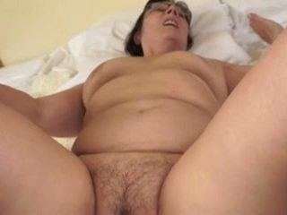 Hot bestemor loves unge cocks