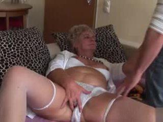 Ερασιτεχνικό πρωκτικό γιαγιά - πολύ άτακτος/η!