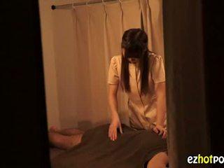 Ezhotporn.com - piccola japanaese sgualdrina looks per sesso