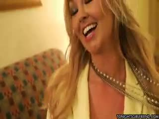 gros seins, nylon, blond