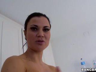 Dusche heiß sexy gigantic titten jasmin jae