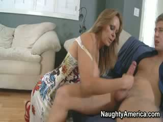 cougar, housewives, hot mom