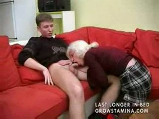 Nenek dengan saggy payu dara gets fucked part1