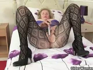 British grannies Pearl and Zadi give their old pussy a treat