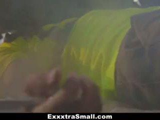 Exxxtrasmall - napalone nastolatka fucked przez mechanic