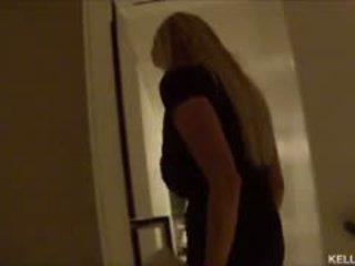 Kelly madison takes henne stor pupper til vegas ja babyen